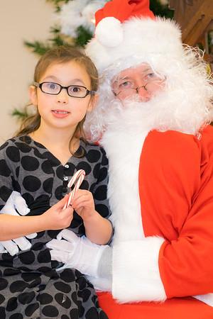 Verndale_Community_Center_Santa-00984