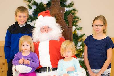 Verndale_Community_Center_Santa-00968