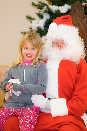 Verndale_Community_Center_Santa-00965