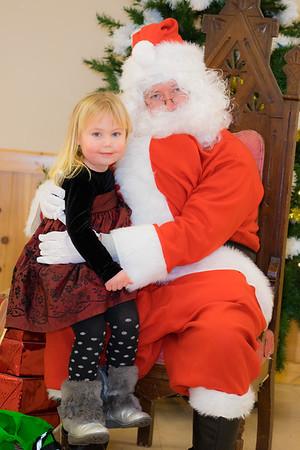 Verndale_Community_Center_Santa-00977