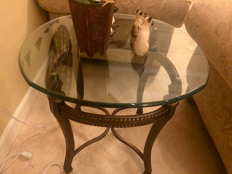 Glass top End Table round