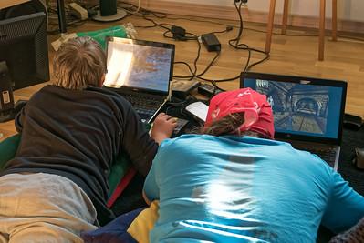 Naturlich haben die Kinder auch Computer gespielt.