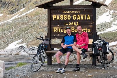 Am Tag nach dem Stilser Joch sind wir noch den Gavia hoch gefahren. Fast genauso hoch wie das Stilfser Joch, aber fast ohne Verkehr.