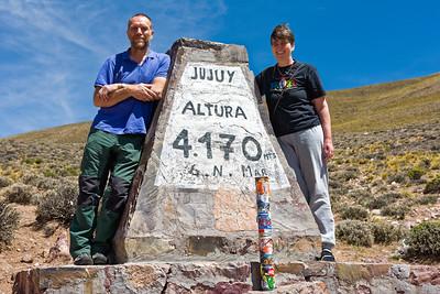 Auf der Fahrt über Purmamarca zu den grossen Salzseen sind wir über einen fast 4200m hohen Pass gefahren. Hier wird die Luft dünn.