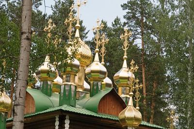 Das Holz der Kirchen wurde nur mit Axt und Säge bearbeitet.
