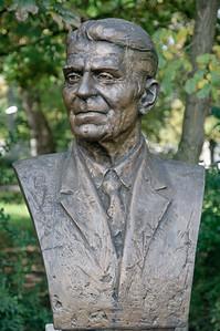 In einem Park in Budapest fanden wir diese Büste von Ronald Reagan.