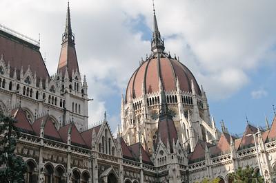Die Kuppel des Parlaments aus der Nähe.
