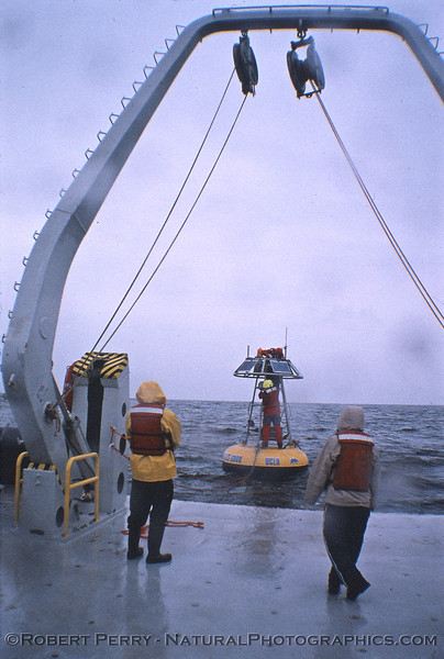 Watching antenna mount 2006 03-06 RV Sproul-002
