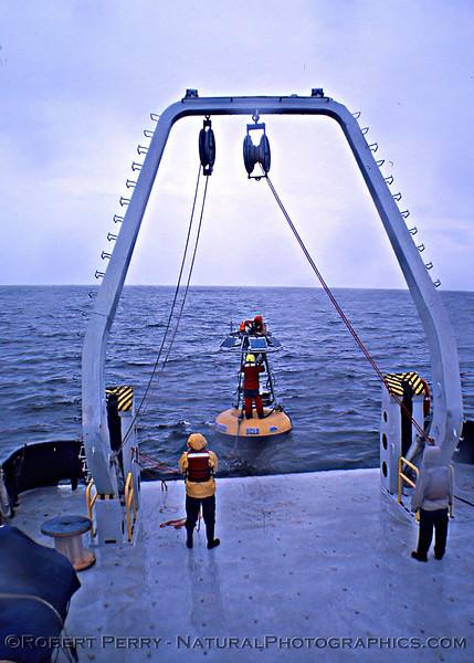 UCLA SMBO deployment - mounting antenna 2006 03-06 RV Sproul-Rain-100