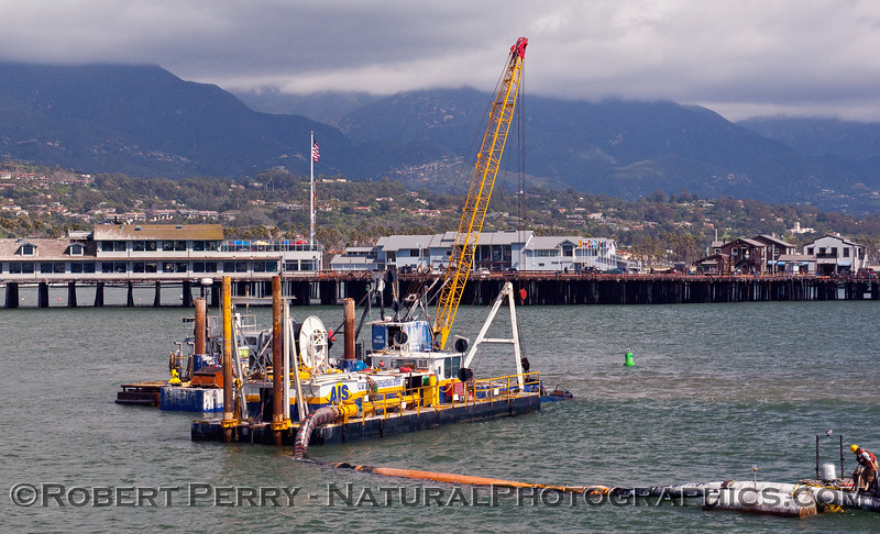 vessel dredge operations 2010 02-20 SB Harbor - 002