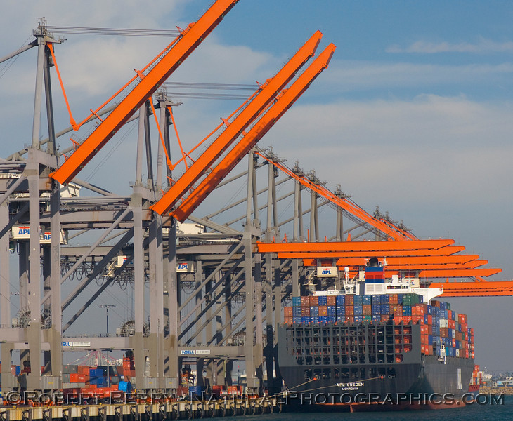 Hammerheads at work - unloading the container vessel APL Sweden in LA-Long Beach Harbor.