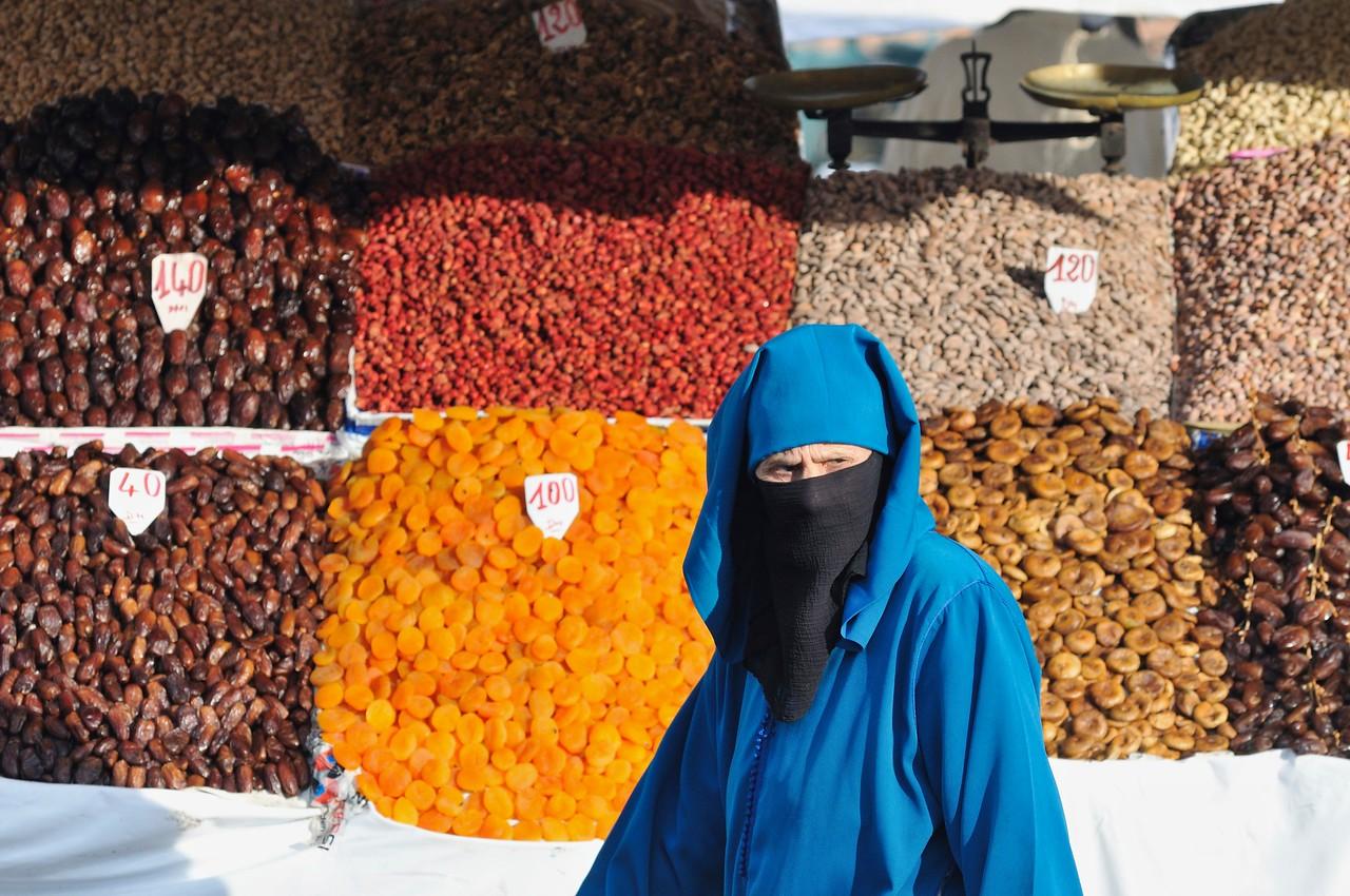 Bettlerin auf dem Platz Djema el fna in Marrakesch.<br /> <br /> Foto: Georg Kronenberg<br /> Veröffentlichung + sonstige Verwendung honorarpflichtig