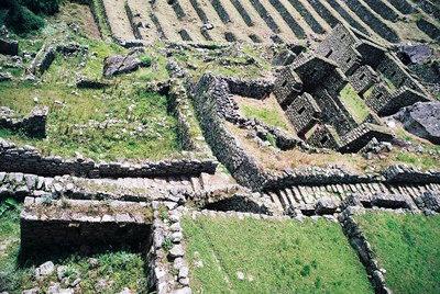 Macchu Picchu, copyright (c) JulianoSerra.com
