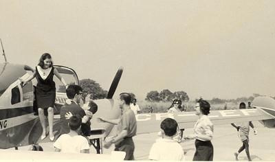 Cessna 310  (passaro azul) CR - LEF (Lima Echo Foxtrot) Tininha Santos, Adão Barata e casal Vitor Santos