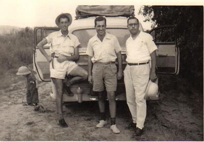"""""""viagem para Vila Luso, 1955"""" Medina e Leandro Conceicão"""