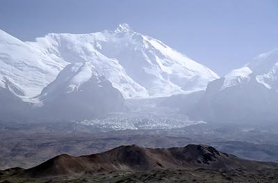 Kongur (7.719m), Karakoram Highway, Xinjiang