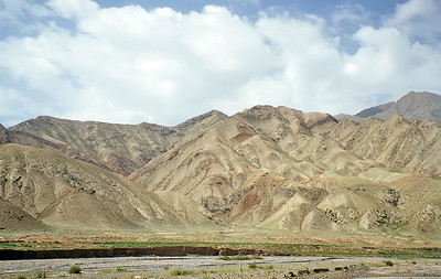 Torugart Pass, border between Xinjiang, China, and Kyrgyzstan