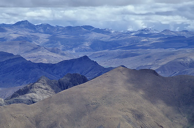 Climbing Pang-La (5.205m), Friendship Highway, Tibet