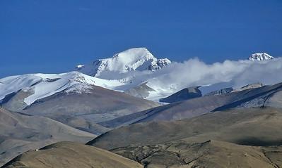 Gyachung Kang (7.952m) from Tingri, Tibet