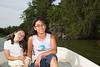 Lucía y Sofía en el Bote