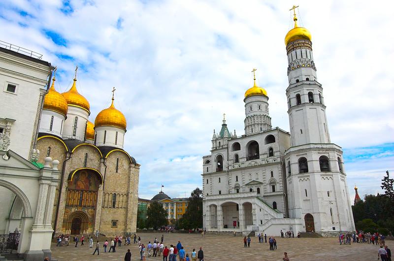 Catedral de la Ascención e Iglesia de San Ioann Lestvichnik