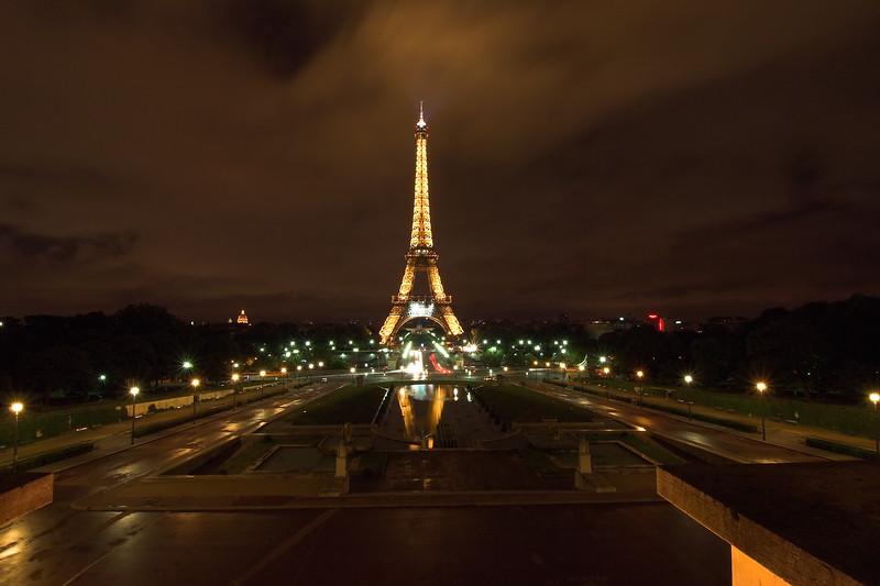 Torre Eiffel en gran angular