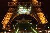 Detalle de al base de la Torre Eiffel