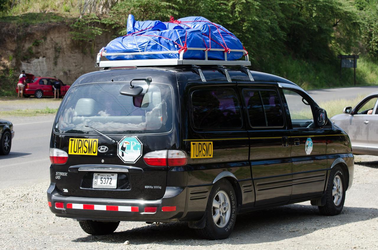 Nuestro vehículo, cargado hasta los topes.