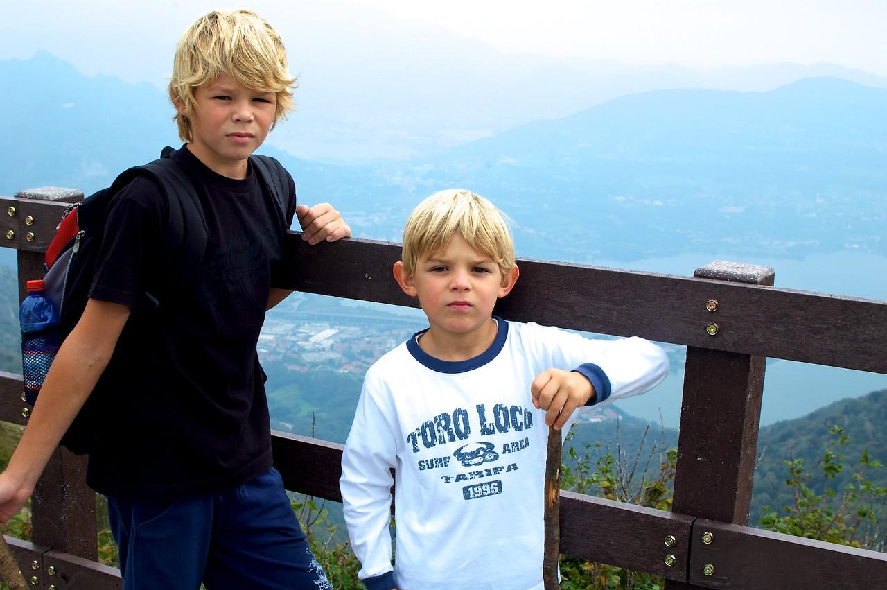 Alfonso y Max. Refugio Monte Cornizzolo.