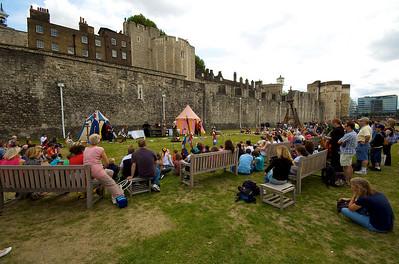 Espectáculo medieval en la Torre de Londres.
