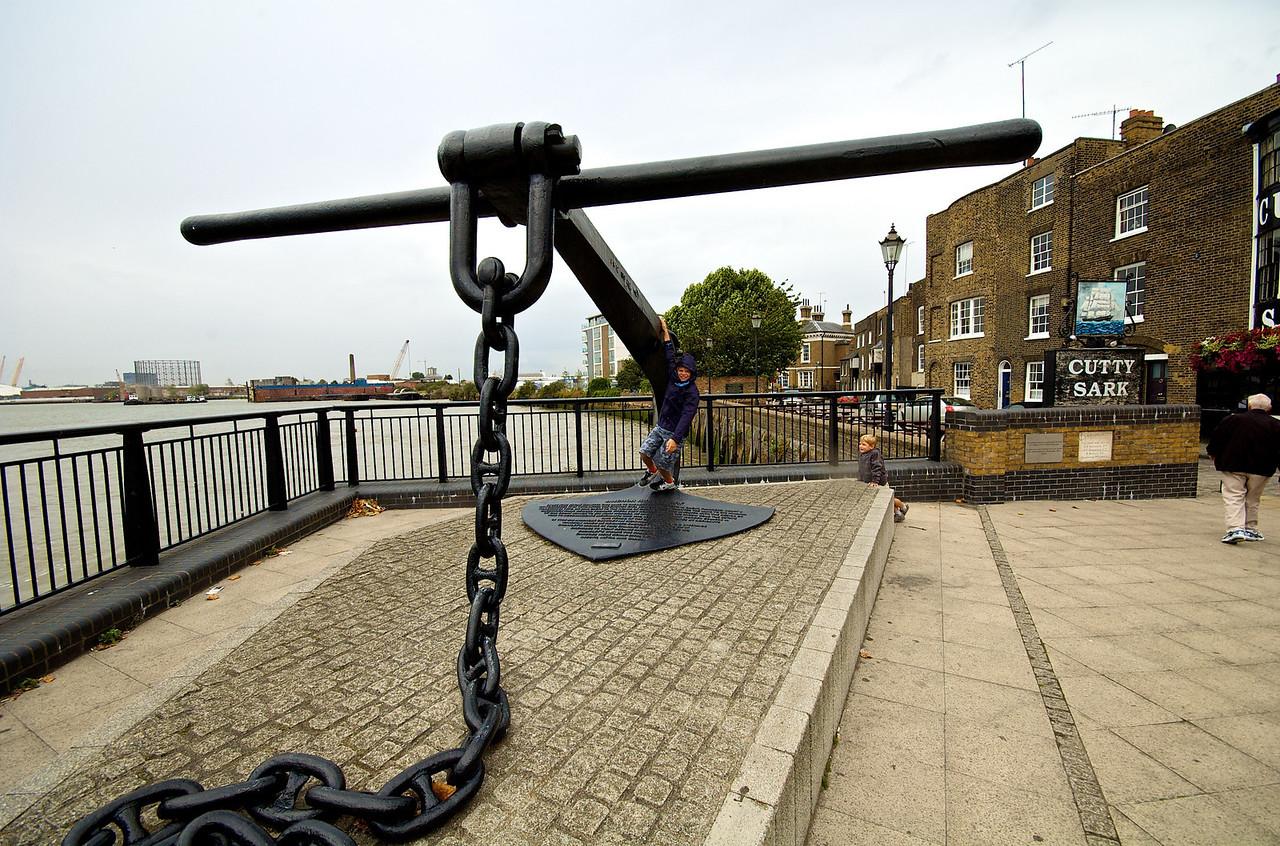 Paseando por Greenwich, frente al Cutty Sark