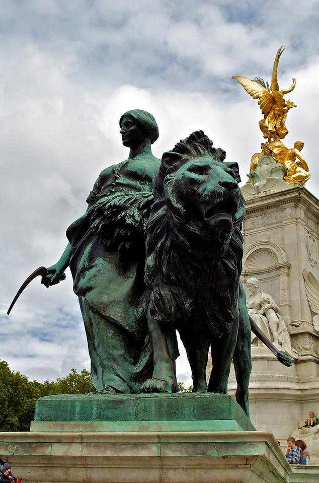 Frente a Buckingham Palace