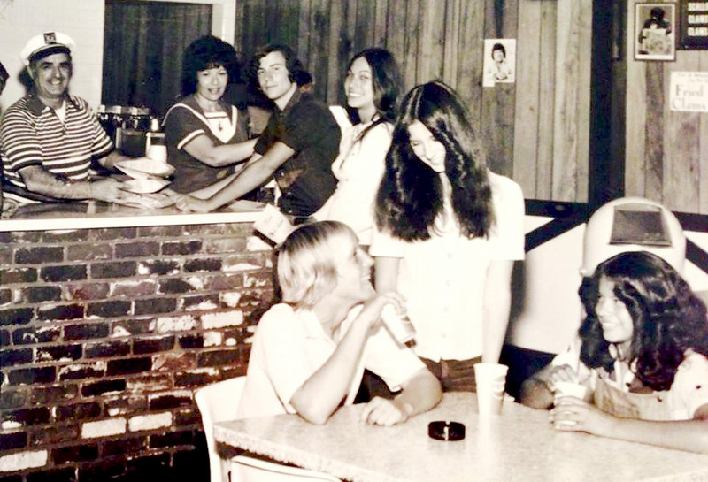 CAPTAIN PAT'S FISH & CHIPS!!<br /> LOVED their Fish & Chips but ESPECIALLY their Chili Dog!!<br /> Front is Billy Skinner, Sherri Fedele & ____?<br /> Back:  Mr & Mrs Fedele, Michael Skinner?? & _____?<br /> <br /> About '77??<br /> (was this a yearbook picture??)