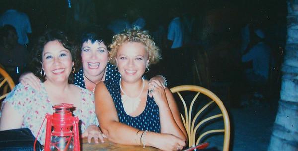 Lorraine Sanchez Barnard & Vicki Skinner in Curaçao