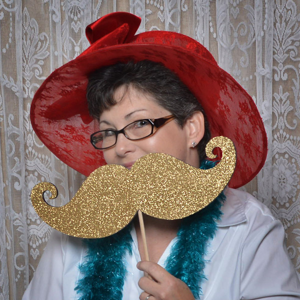 Owner Operated - Vickie Tullar / Vic's Photobooth Co.