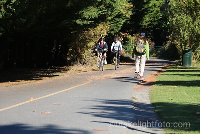 Biking and walking on Galloping Goose Trail