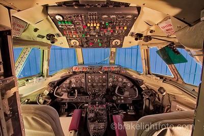 Cockpit of Vickers Viscount