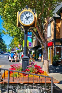 Oak Bay Clock