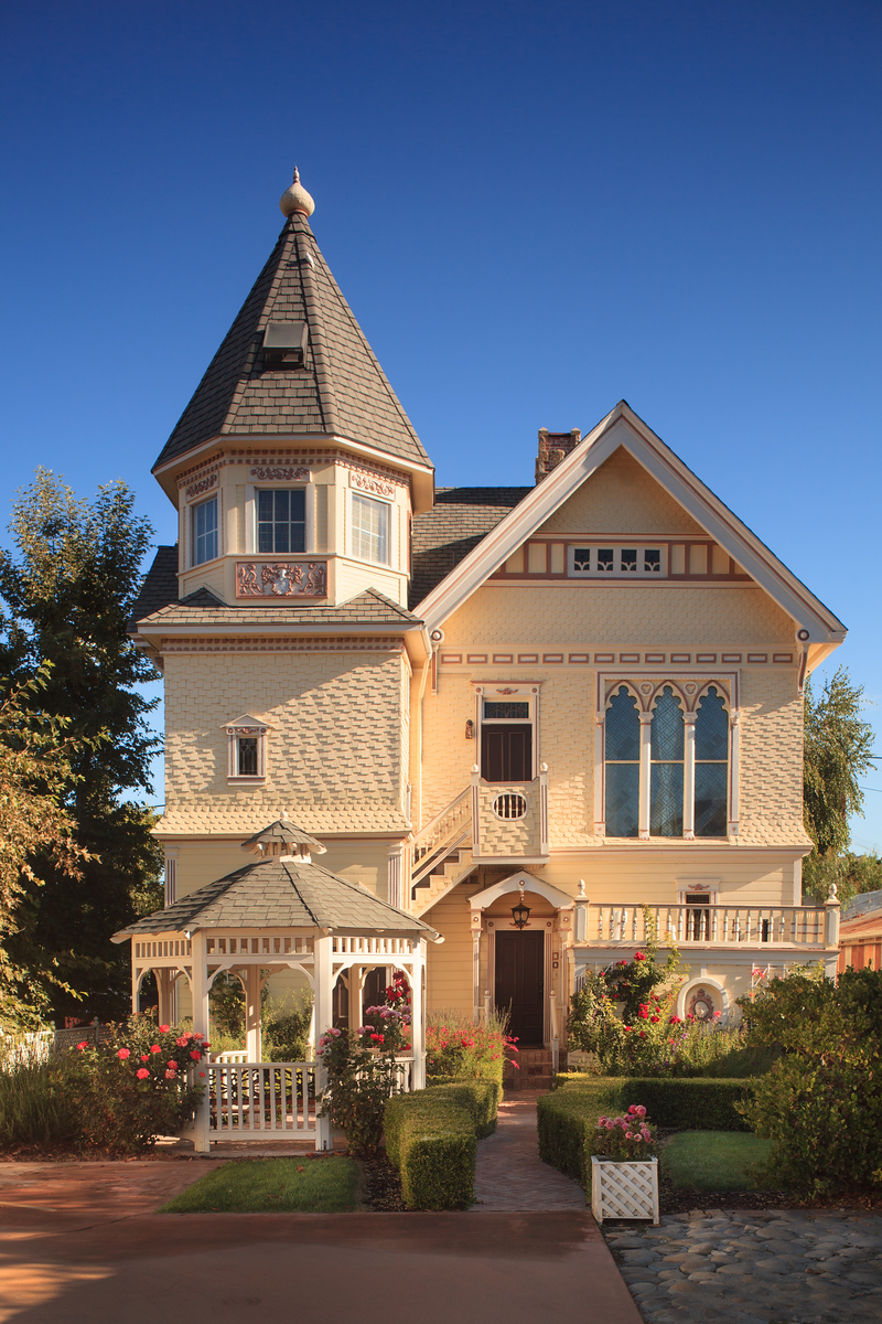 Victorian x Facade 01 X3 Fantasy, Delight and Whimsy in California: The Vick