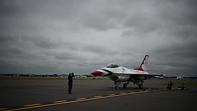 Thunderbirds Land in Daytona