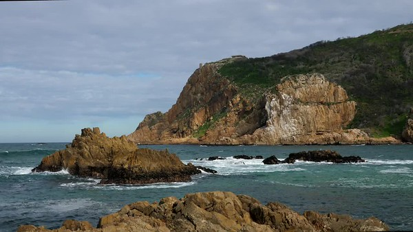 Knysna Heads rocks and sea. Knysna. Garden Route. South Africa. GH5R294396