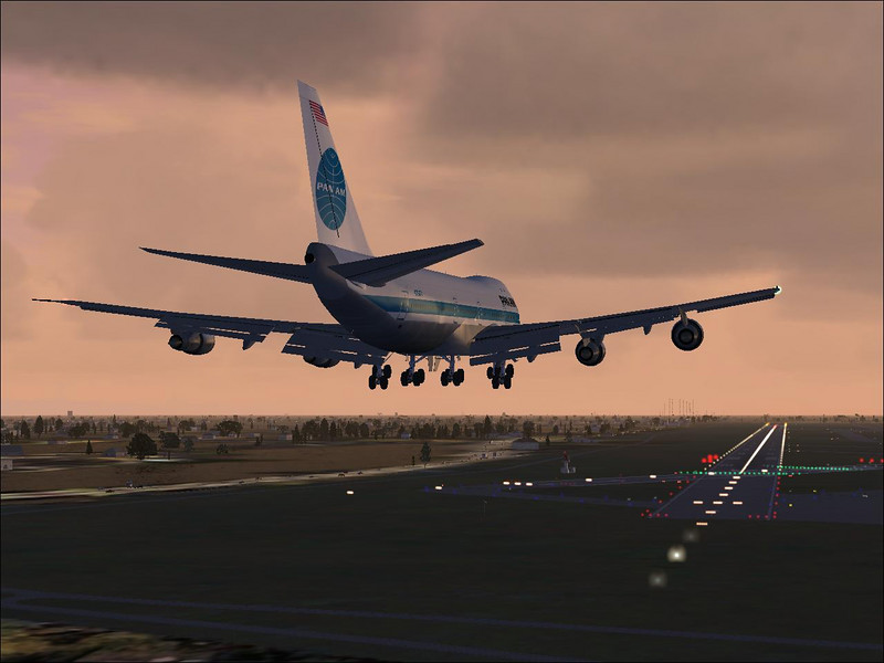 Short final in a Boeing 747.<br /> Microsoft Flight Simulator X