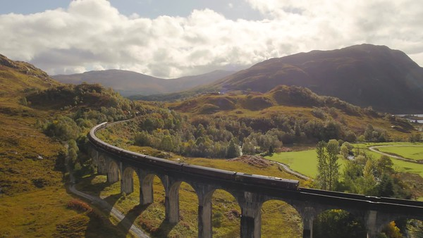STOCK 4K AERIAL Glenfinnan Royal Scotsman 181006 002