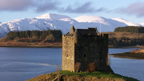 180120 Castle Stalker and Snow on Morven Aerial 001
