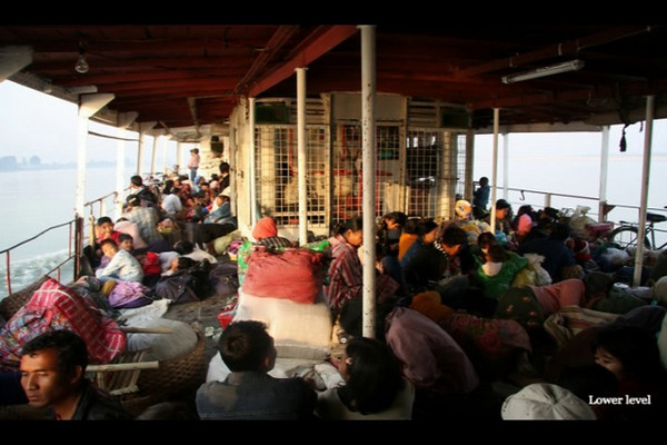 2009: Myanmar, Irrawaddy 24hr River Boat trip to Bagan, Video Clips