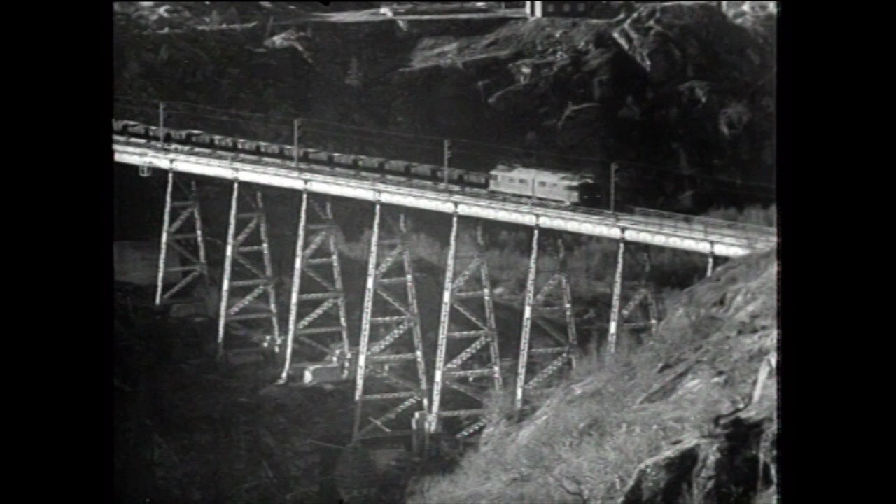 SJ Of2 Mas Norddalsbrua about 1930 (0:48)
