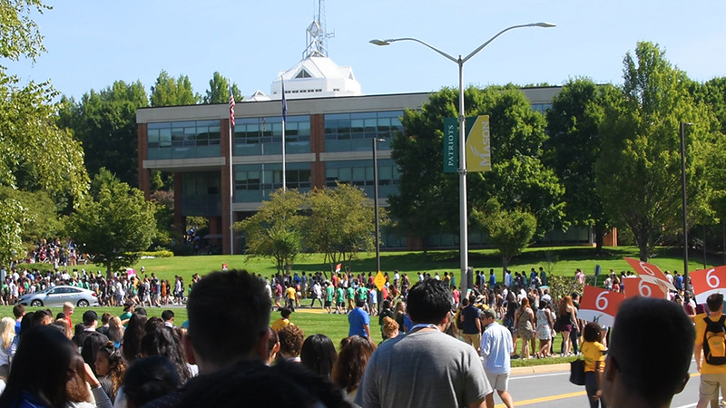 Move-In and Freshman Activities B-Roll