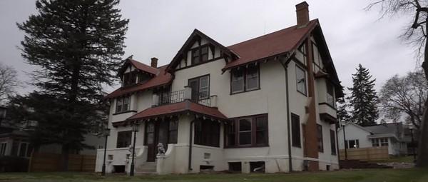 Schwartz Family House v3