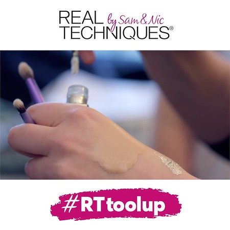 Real Techniques make up brushes