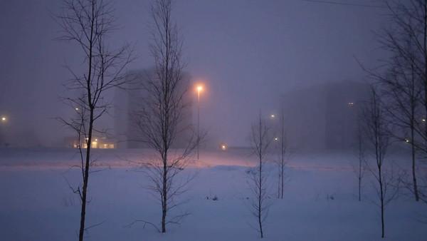 Dimmig vinterkväll i Timrå - Traffic on a foggy winter evening